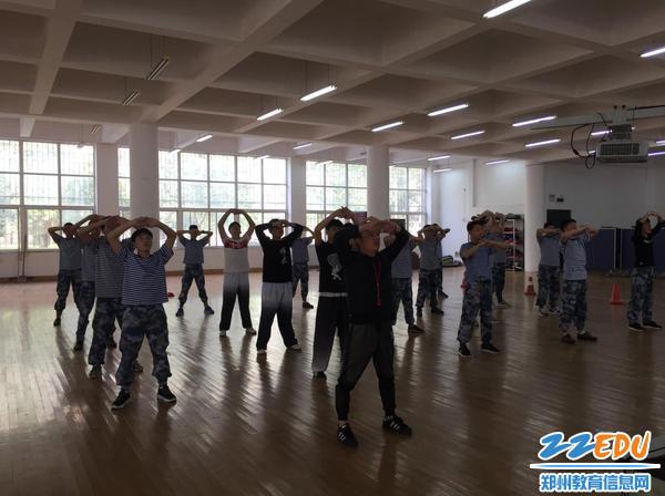市教研室助力www.xf187.com体育教师专业成长