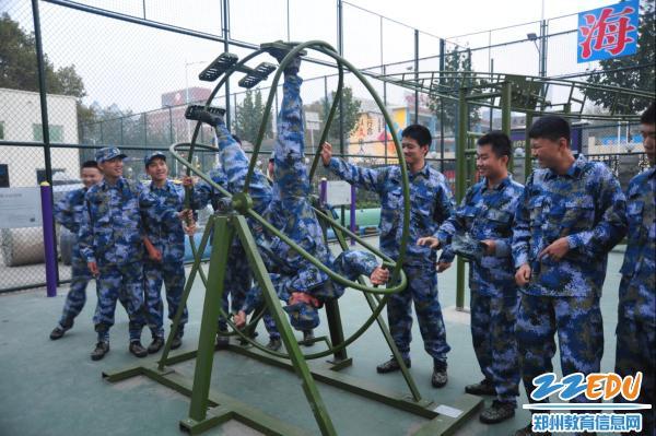 进海军航空实验班,立报效祖国宏伟志——河南省海军航空实验班开展开放日活动