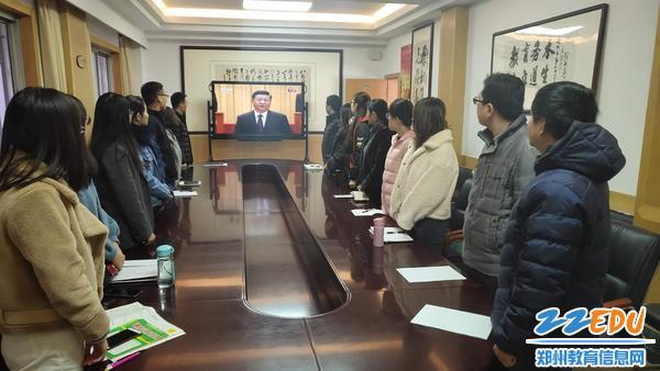 必发88师生共同欢庆改革开放40周年